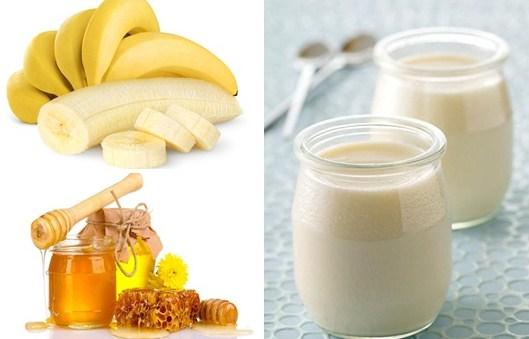 Đắp mặt nạ sữa chua không đường với mật ong và chuối