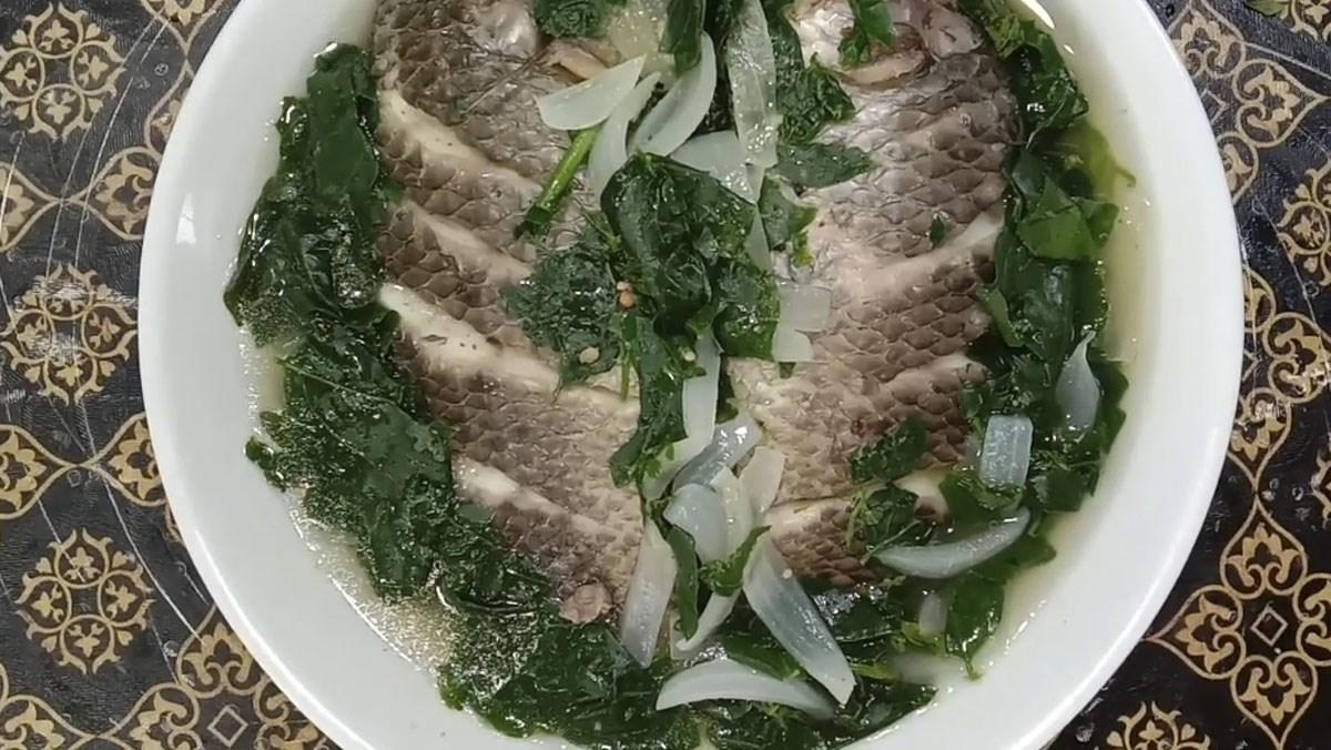 3 cách nấu canh cá rô rau cải, rau ngót và bông súng đơn giản thanh mát