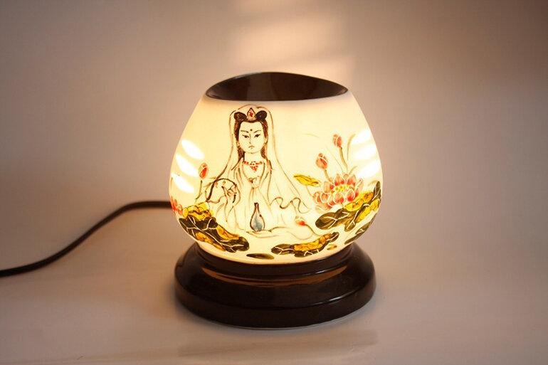 có nên sử dụng đèn xông tinh dầu không, ưu nhược điểm, cách dùng